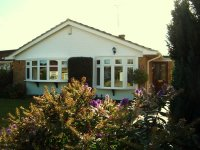 Lovely Bungalow by the Sea, 1 hour from London