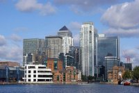 Wonderful dockside apartment with views to Canary Wharf London